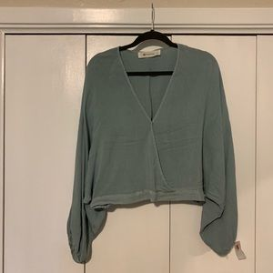 Cropped dolman sleeved blouse // large // NWT